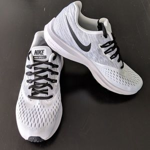 Nike Windflow running shoes